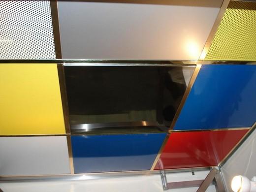 Виды металлических потолков от производителя Армстронг: популярные расцветки