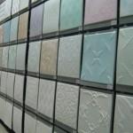 Как клеить потолочные плитки из пенопласта: инструкция