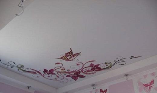 Сатиновый натяжной потолок с принтом на изображении