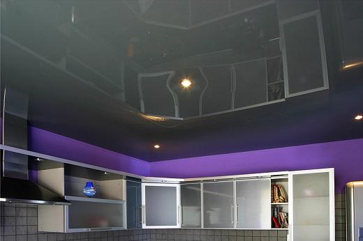 На фото натяжной потолок фирмы Город мастеров