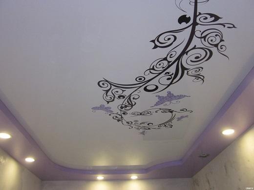 Натяжной потолок с индивидуальным рисунком на полотне