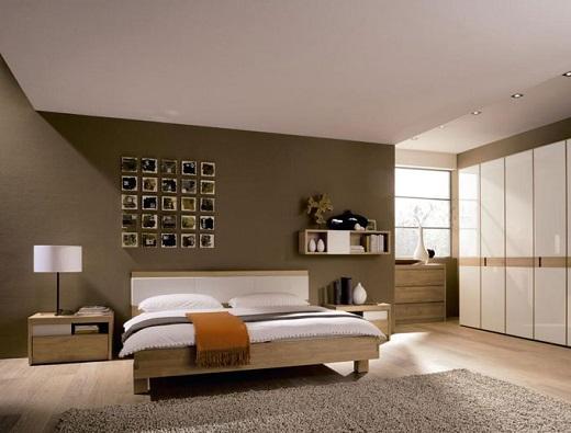 На фото белый матовый натяжной потолок в спальне