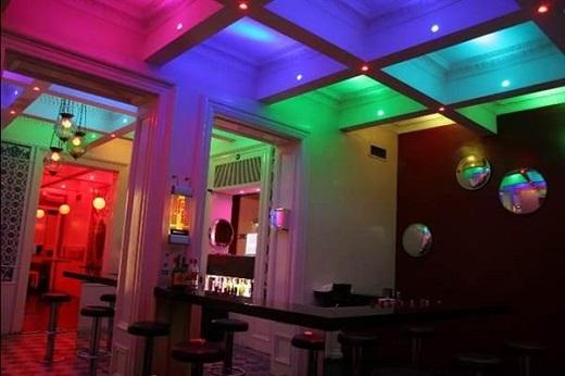 Многоцветная светодиодная лента в действии