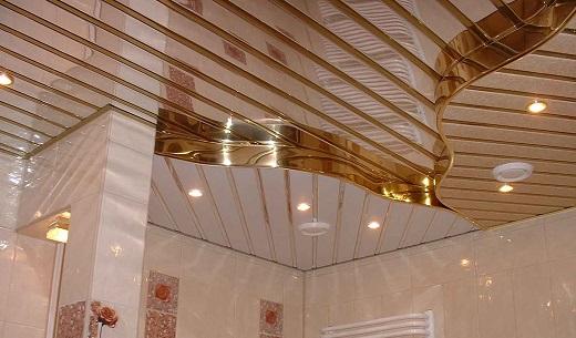 Один из вариантов исполнения реечного потолка на фото