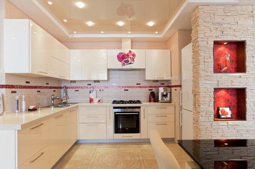 Пример используемых светильников для натяжных потолков на кухне