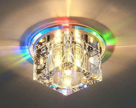 Пример квадратного светильника, встраиваемого в натяжной потолок