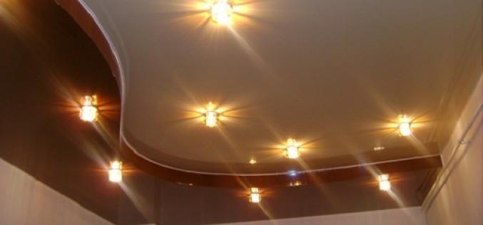 Обзор видов и характеристик двухуровневых натяжных потолков