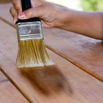 Декоративная защитная пропитка-морилка для дерева на основе масла